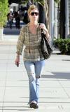 Nicky Hilton - Страница 2 Th_51292_celebrity-paradise.com-The_Elder-Nicky_Hilton_2010-01-28_-_stroll_through_Beverly_Hills_028_122_1032lo
