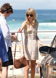 Тайлор Свифт, фото 12229. Taylor Swift Bondi Beach after breakfast at Bill Darlinghurst in Sydney - 08.03.2012, foto 12229