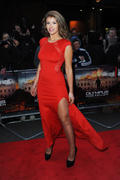 http://img158.imagevenue.com/loc202/th_376432891_AmyWillerton_olympus_has_fallen_uk_prem_017_122_202lo.jpg