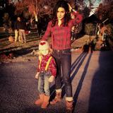 "Shannon Woodward - TwitPic on the Set of ""Raising Hope"" - Posted Jan 15, 2013"